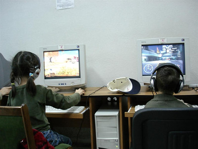 Little kids like using the internet cafes for games.