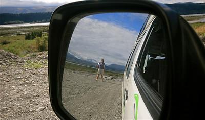 Uit de reeks: 'Spiegelbeeld'. Blackford Road, Rakaia Gorge. Zuidereiland, Nieuw-Zeeland.