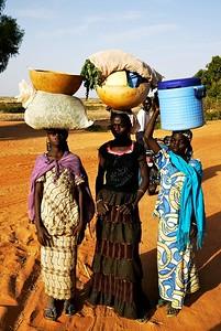 Three girls (Kebbi, Nigeria)