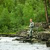 Lennart fiskar i Storån norr om Idre