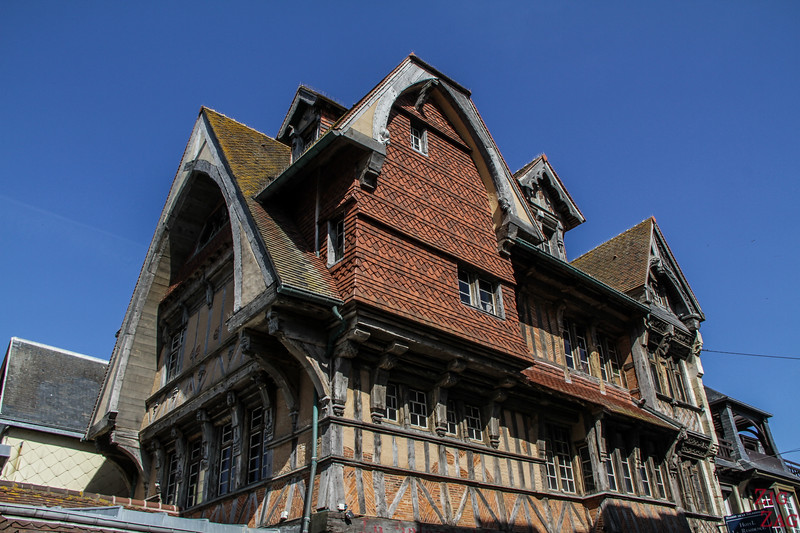 Etretat old house