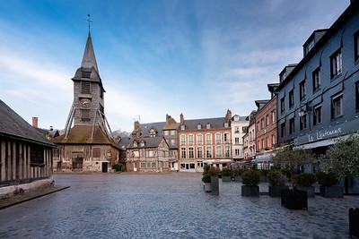 Place Sainte Catherine et son clocher