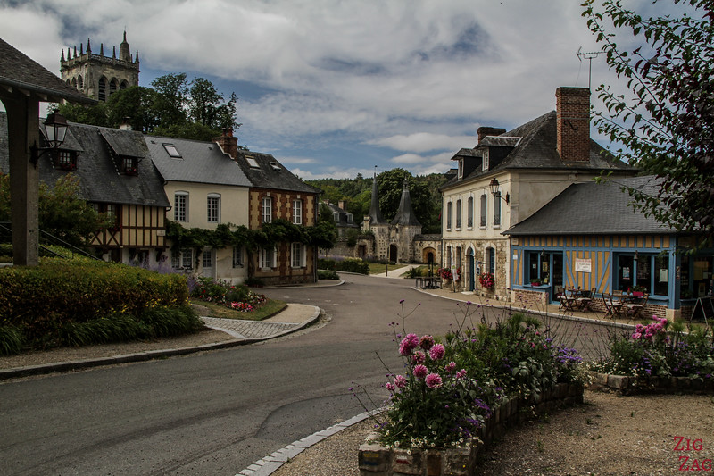 Le Bec-Hellouin streets with Half timbered houses 4