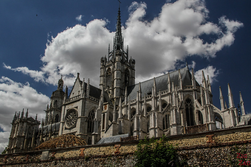 Evreux Cathedral outside