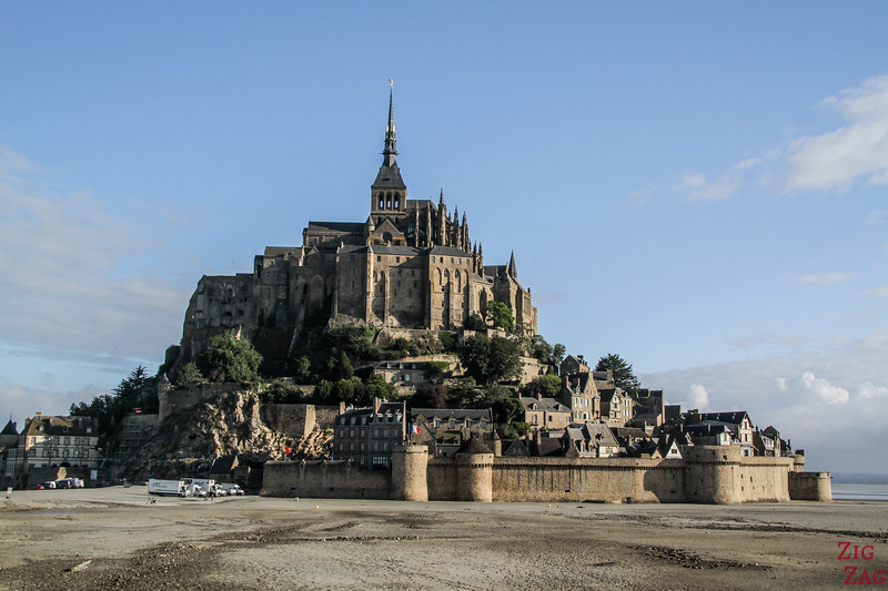 Mont Saint Michel village island