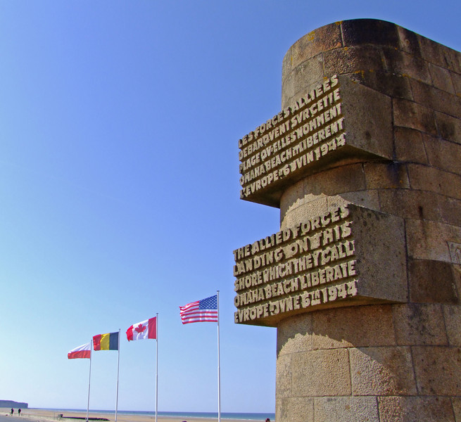 The monument at Omaha Beach - in both French and Engiish.