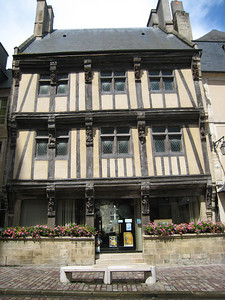 Bayeaux - lace and tapestry shop