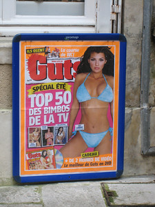 """Des Bimbos"" who could resist that eh?  And notice the name of the mag is ""Guts"".  Don't think that's the body part ""des bimbos"" are best known for."