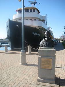 ship_statue