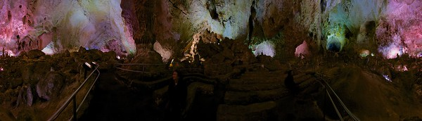360° panorama inside Carlsbad Caverns, New Mexico, USA. Here's the QTVR version (7.69Mb)