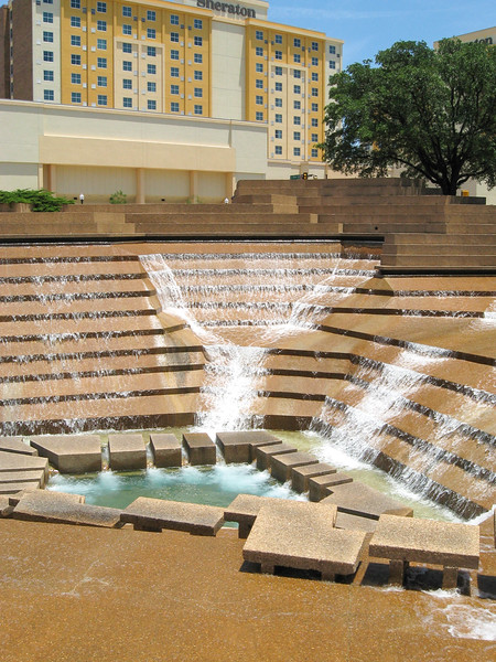 Active Pool at Fort Worth Water Gardens