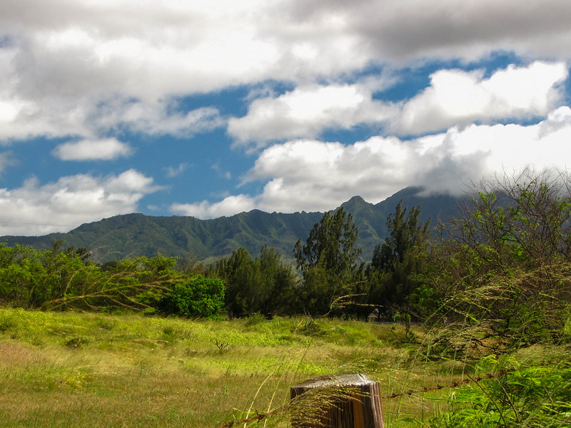 Mountains along the north side of Oahu.