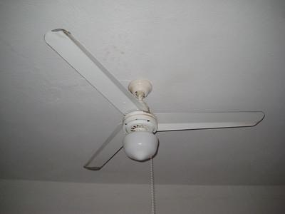 bedroom_2_fan