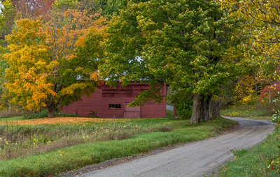 Barn on Joe Ranger Road - North Pomfret