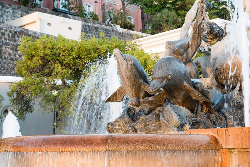 Las Raíces Fountain