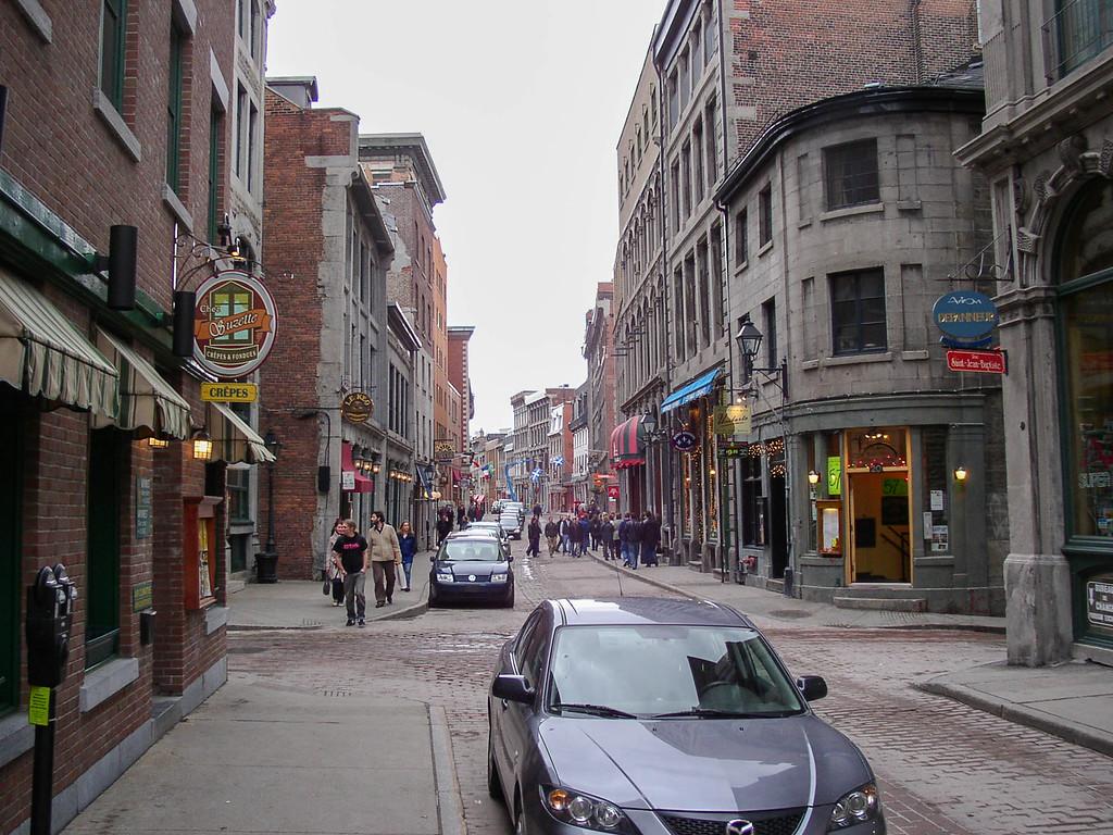 Rue St. Paul in Vieux Montréal.