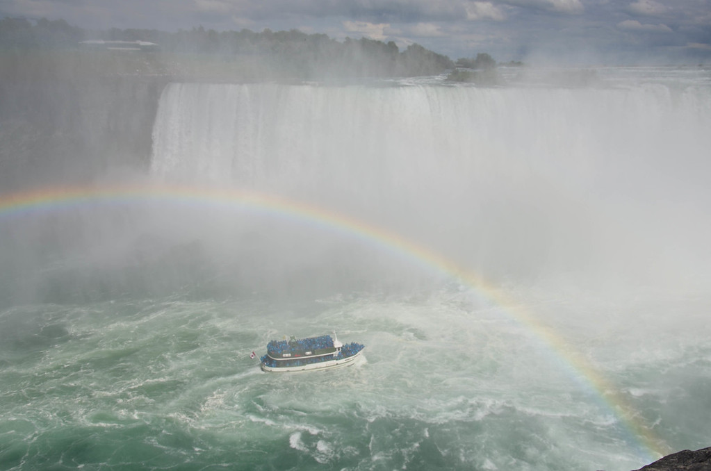 Maid of the Mist and rainbow