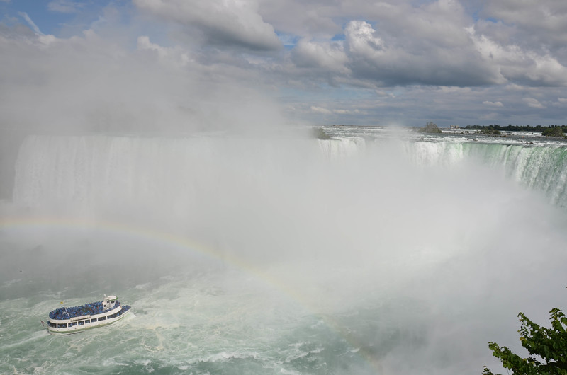 The Maid of the Mist and Horseshoe Falls