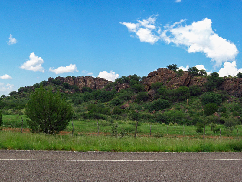 Scenery along Texas 118 south of Alpine.