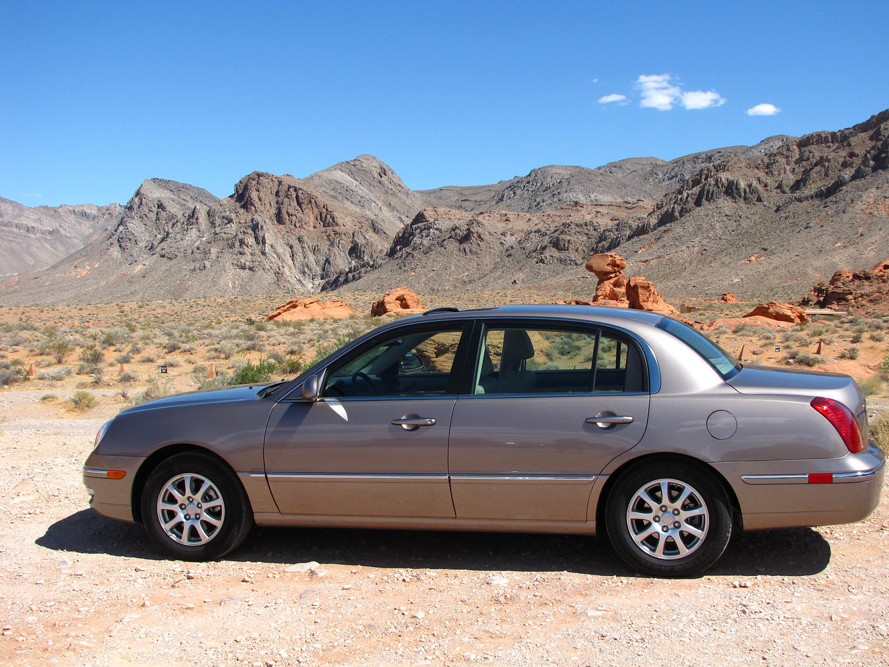 Our Kia Amanti rental car at Valley of Fire State Park.