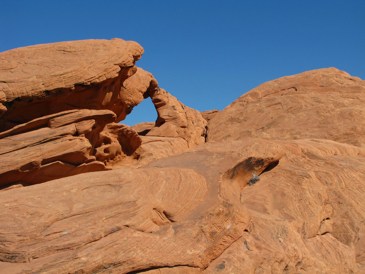 Natural arch in Valley of Fire State Park.