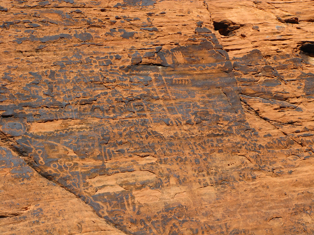 Petroglyphs on the Mouse's Tank trail in Valley of Fire State Park.