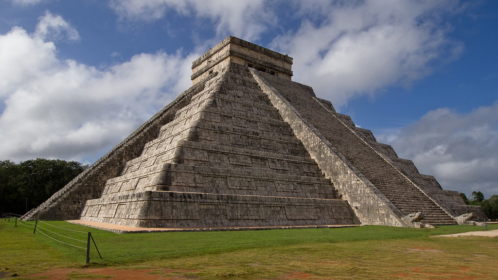 Chichen Itza - El castillo (The Castle) - One of the new Seven wonders of the World