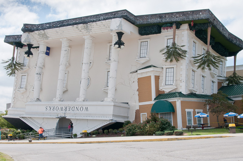 • Wonderworks at Pigeon Forge<br /> • Is this building really upside down?
