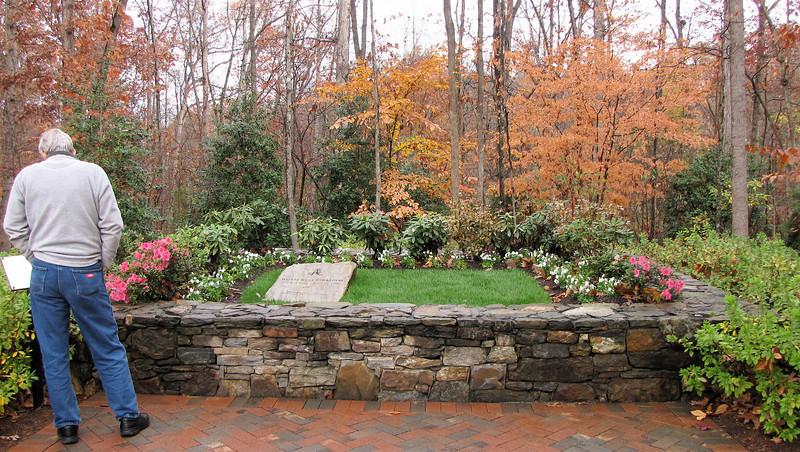 Ruth Graham's Grave - Billy Graham Library - Charlotte, NC  11-26-10
