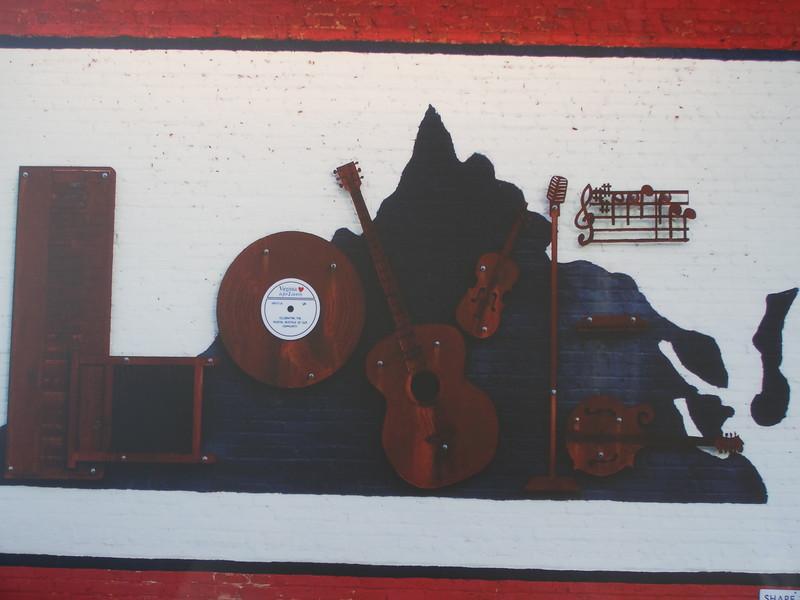 Mural on music shop, Bristol VA-TN<br /> 7-13-15