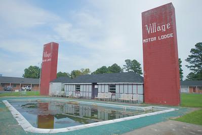 Nice Pool in Village Motor Lodge