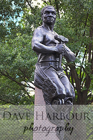 Independence Square-Transportation Statue-Charlotte-Photo by Dave Harbour