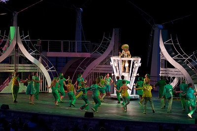 The Wiz and dancers