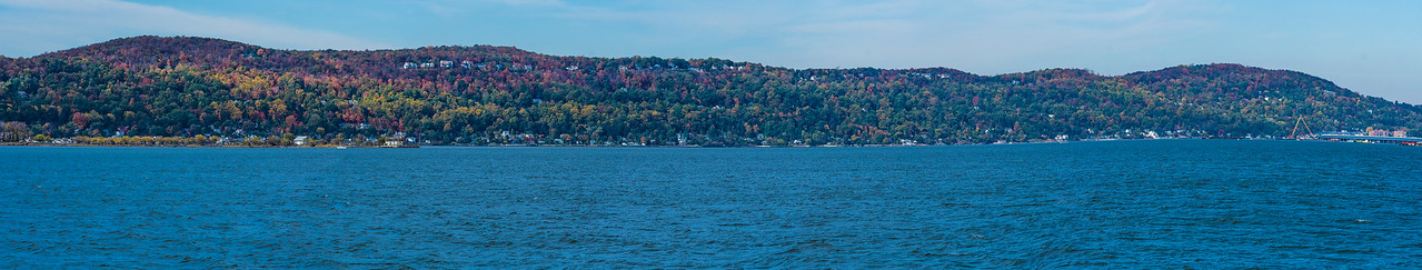 A pano looking across the Hudson River at the fall colors.