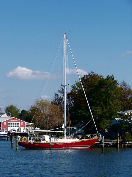 Oxford MD - a lone boat at the marina