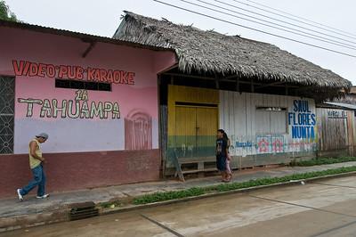 We strolled around the town of Nauta