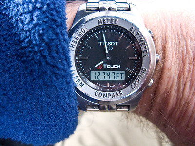 The altitude of the airport is 13325 ft. My watch shows only 12747 ft because a low pressure system affected the reading
