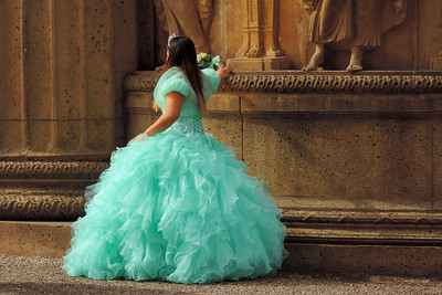 "San Francisco - Waiting for a ""Quinceañera"" Photo Shoot"