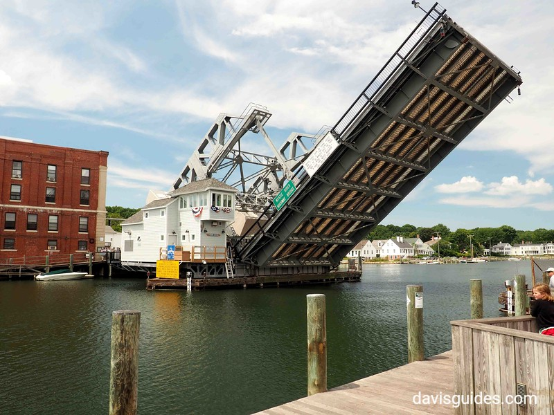 Drawbridge over Mystic River, Mystic CT