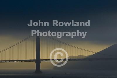 Golden Gate Bridge at dusk.