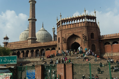Another view of the exterior of Jama Masjid.