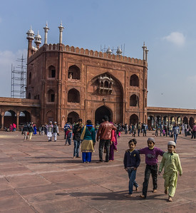 The plaza at Jama Masjid.