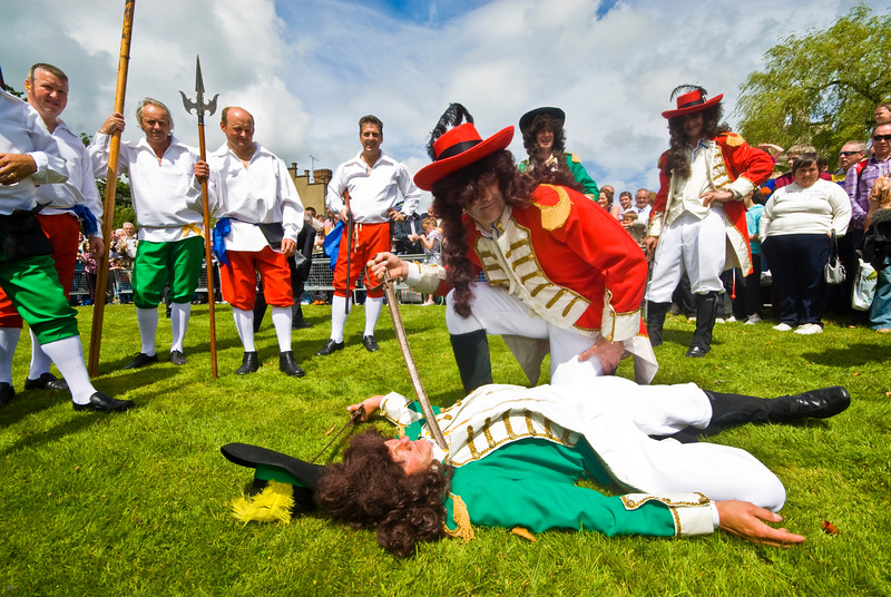 """The Battle of the Boyne between King William of Orange and King James is reinacted at the annual """"Sham Fight"""" Pageant celebrated at Scarva Co. Down on 13 July every year (4)"""