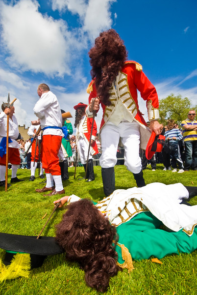 """The Battle of the Boyne between King William of Orange and King James is reinacted at the annual """"Sham Fight"""" Pageant celebrated at Scarva Co. Down on 13 July every year"""