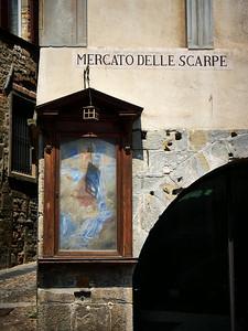 Mercato delle Scarpe. Bergamo alta