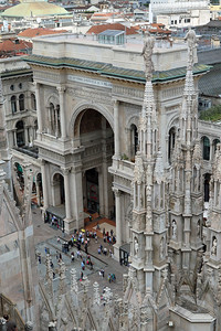 Entrance to Galleria Vittorio Emanuele II from roof Duomo.