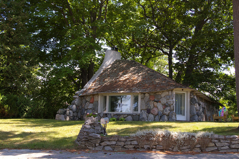 Mushroom house of Charlevoix designed by Earl Young