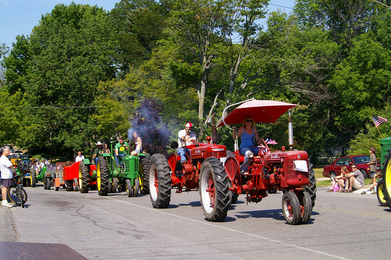 Tractor Parade - Lake Ann Homecoming
