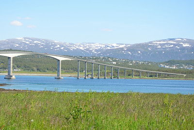 Bridge connecting Kvaløya with Tromsø