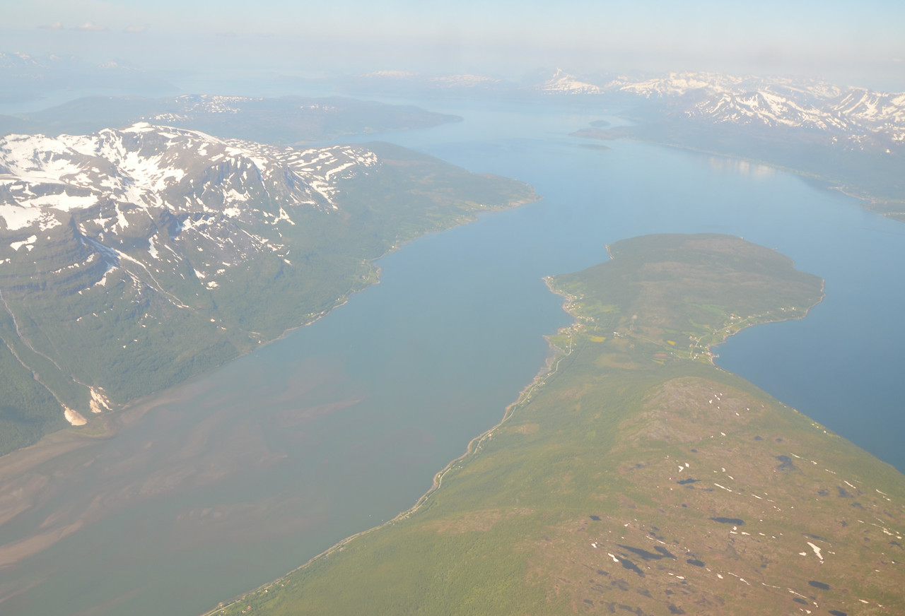 The flight from Oslo to Tromsø
